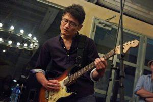 オンラインギターレッスン講師 藤田義雄